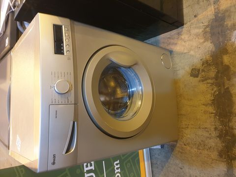 Lot 7002 SWAN SW15830S8KG 1200 SPIN WASHING MACHINE - SILVER RRP £289.99