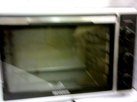 Lot 83 SEVERIN 42L TOAST OVEN WITH CONVECTION