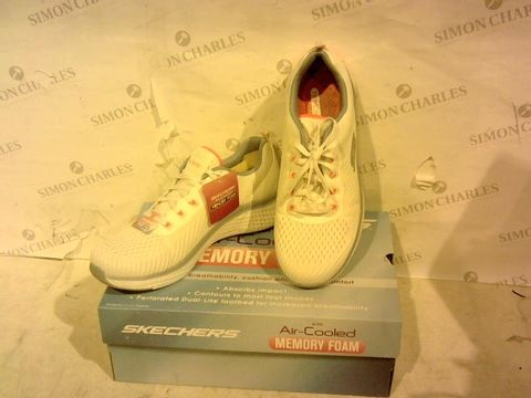 Lot 1578 BOXED PAIR OF SKECHERS - UK SIZE 6