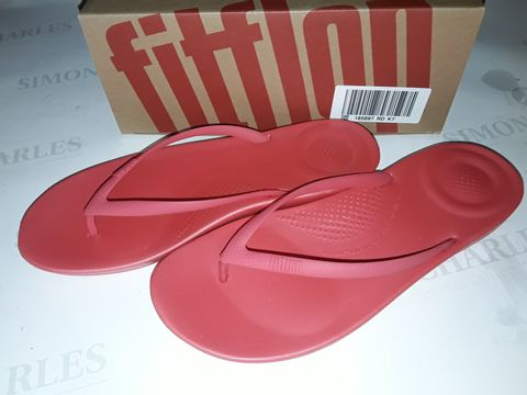 Lot 8022 BOXED PAIR OF FLIPFLOP IQUSHION ERGONOMIC SLIDERS IN HOT PINK - UK 7