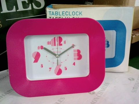 Lot 10804 SEGNALE TABLE CLOCK