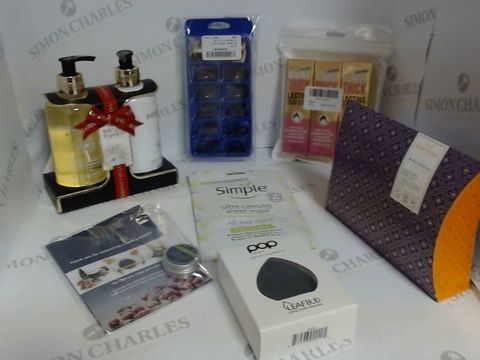 Lot 8503 BOX OF A LARGE QUANTITY OF ASSORTED COSMETIC ITEMS TO INCLUDE BAYLIS & HARDING GIFT SET, POP SONIC FACIAL CLEANSING DEVICE, SANCTUARY WELLNESS SET, ETC