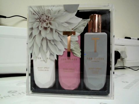 Lot 8173 TED BAKER TRIPLE BOST MIST SET