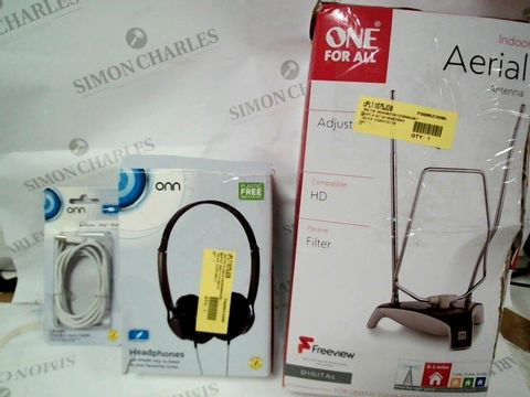 Lot 1010 A SMALL BOX CONTAINING AN ONN 6FT IPHONE CHARGER, ONN HEADPHONES AND AN INDOOR AERIAL