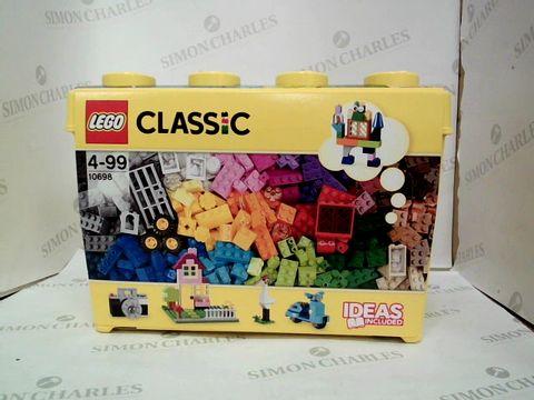 Lot 336 LEGO CLASSIC