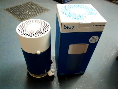 Lot 15104 BLUEAIR BLUE PURE 411 AIR PURIFIER WITH COMBINATION FILTER