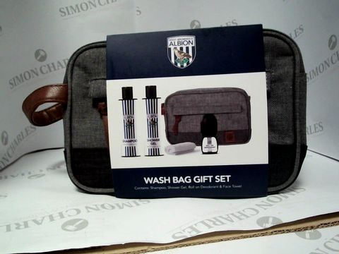 Lot 8102 WEST BROMICH ALBION - WASH BAG GIFT SET