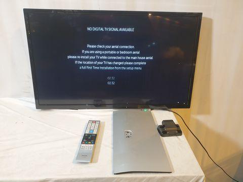 Lot 54 TOSHIBA 32W3863DB 32-INCH HD READY SMART TV