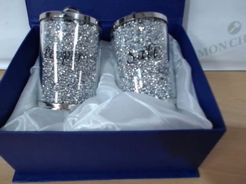 Lot 2026 BOXED SALT AND PEPPER SHAKERS