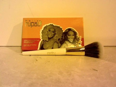 Lot 1516 MALLY X RUPAUL HIIEEE-LIGHTER & RUGE DUO & BLUSH BRUSH