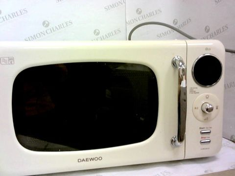 Lot 67 DAEWOO KOR9LBKCR TOUCH CONTROL MICROWAVE, 800 W, 20 LITRE, CREAM