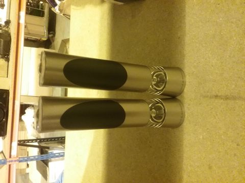 Lot 2123 COLE AND MASON ELECTRONIC SALT/PEPPER MILL
