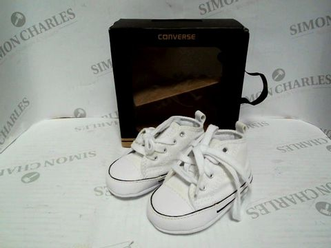 Lot 1062 BABY CONVERSE ALL STAR IN WHITE - UK SIZE 2