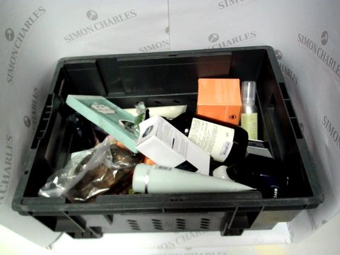 Lot 9298 LOT OF APPROX 18 ITEMS INCLUDING NIVEA MOISTURISER AND LIZ EARLE CLEANSER