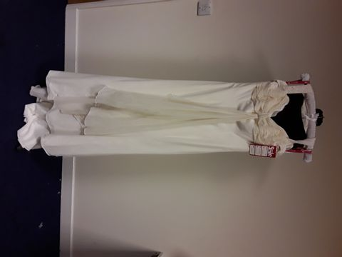 Lot 7147 DAVID EMANUAL IVORY SIZE 14 RRP £849.00