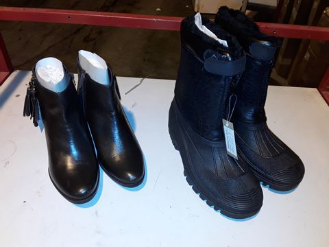 Lot 3152 LEATHER COLLECTION CLAUDIA TASSLE ANKLE BOOTS + CUSHION WALK RAIN BOOTS