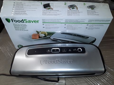 Lot 8231 FOODSAVER FOOD VACUUM SEALER SYSTEM