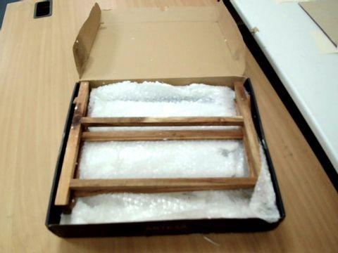 Lot 11439 ARTESA TIERED SLATE SERVING PLATTERS IN GIFT BOX, ACACIA WOOD, 40 X 30 X 25 CM