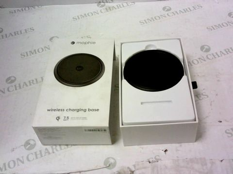Lot 2154 BRAND NEW BOXED MOPHIE WIRELESS CHARGING BASE