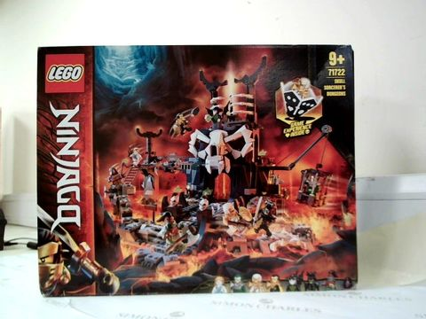 Lot 5269 Skull Sorcerer's Dungeons 2in1 Build & Board Game RRP £114.99