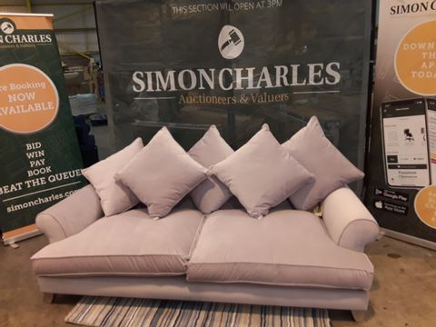 Lot 2030 QUALITY DESIGNER BRITISH MADE LIGHT PINK FABRIC THREE SEATER SOFA WITH SCATTER BACK CUSHIONS