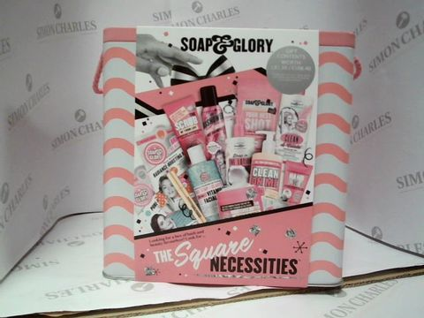 Lot 8115 SOAP&GLORY - THE SQUARE NECESSITITES