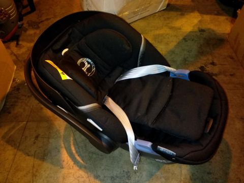 Lot 10026 CYBEX ATOM 5 UK CAR SEAT - LAVASTONE BLACK