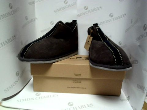 Lot 13041 BOXED PAIR OF DESIGNER SHEPHERD SLIPPERS - UK SIZE 11