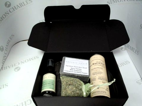 Lot 8101 ORGANIC HOUSE SKINCARE BOX