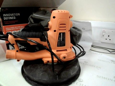 Lot 12512 EVOLUTION POWER TOOLS HAND HELD DRY WALL SANDER