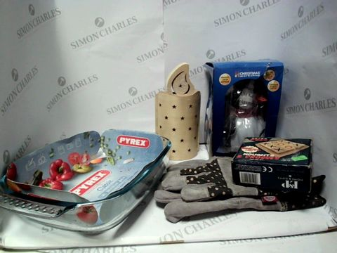 Lot 17761 LOT OF APPROXIMATELY 5 ASSORTED HOUSEHOLD ITEMS, TO INCLUDEPYREX DISH, RETRO NOUGHTS & CROSSES GAME, BRIERS GARDENING GLOVES, ETC