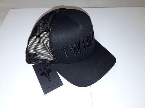 Lot 9 TWINZZ ALL BLACK TRUCKER CAP
