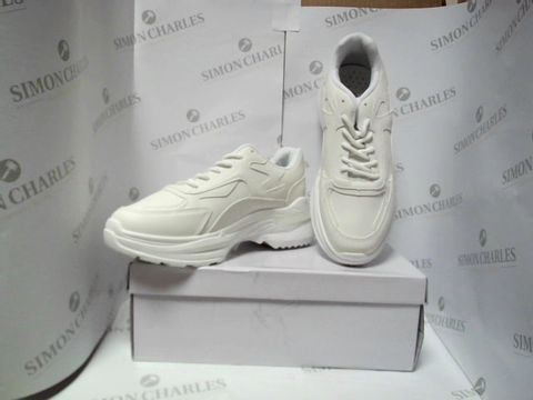 Lot 13057 BOXED PAIR OF WHITE TRAINERS - UK SIZE 6