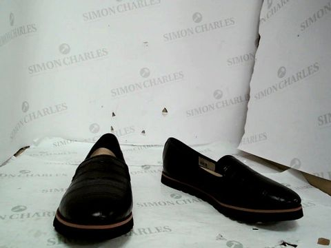 Lot 8669 DUNE GALLEON LEATHER SPORT OUTSOLE LOAFERUK SIZE 6