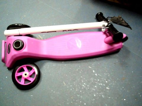 Lot 226 ZIN T MOTION TRI SCOOTER - PINK RRP £57.99