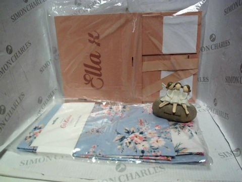 Lot 7691 LOT OF A LARGE QUANTITY OF ASSORTED HOUSEHOLD ITEMS, TO INCLUDE CATH KIDSTON TEA TOWELS, PERSONALISED 'ELLA' STORAGE BOX, SHUDEHILL FOREVER FRIENDS ORNAMENT, ETC