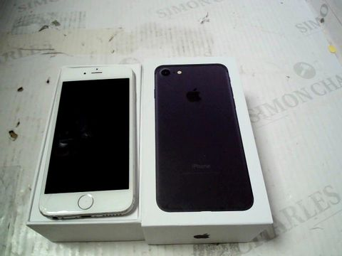Lot 323 BOXED APPLE IPHONE 6 (A1586) SMARTPHONE - CAPACITY UNKNOWN