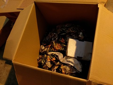 Lot 10717 BOX OF ASSORTED CLOTHING ITEMS