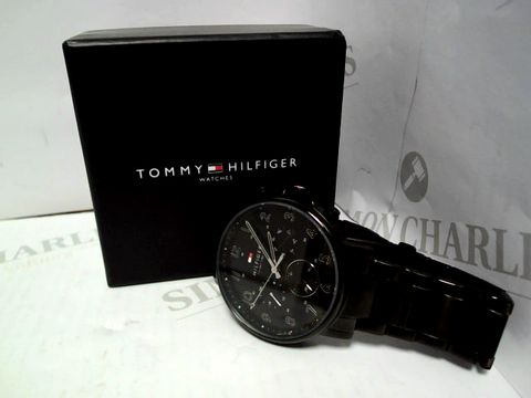 Lot 417 TOMMY HILFIGER BLACK CHRONOGRAPH DIAL BLACK IP STAINLESS STEEL BRACELET MENS WATCH RRP £299.99
