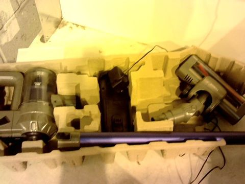 Lot 12039 TOWER VL30 CORDLESS VACUUM CLEANER