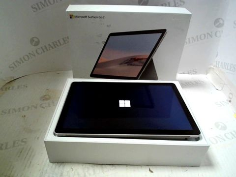 Lot 425 MICROSOFT SURFACE G0 2