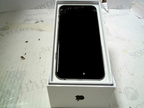 Lot 313 BOXED APPLE IPHONE 6 (A1586) SMARTPHONE - CAPACITY UNKNOWN