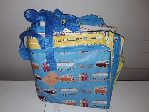 Lot 1244 LARGE QUANTITY OF ASSORTED HOLIDAY THEMED SHOPPING BAGS