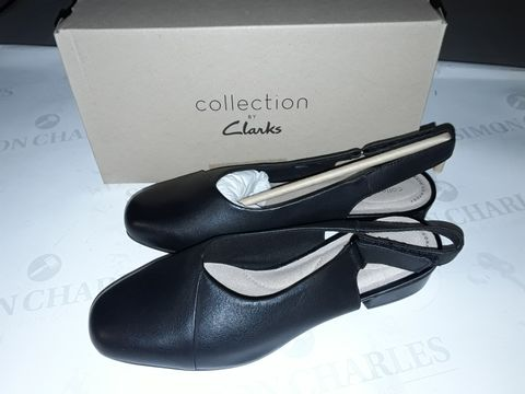 Lot 8063 BOXED PAIR OF CLARK'S JULIET PULL SHOES IN BLACK LEATHER - UK 6