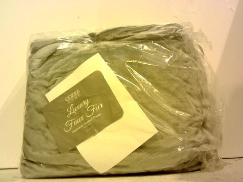 Lot 15371 COZEE HOME LUXURY FAUX FUR HEATED THROW