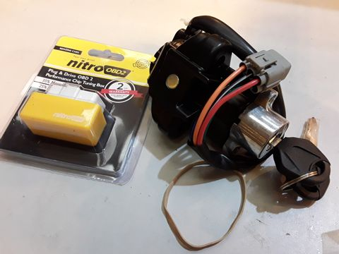 Lot 71 TWO ITEMS, NITRO OBD2 TUNING CHIP & IGNITION BARREL WITH 2 KEYS