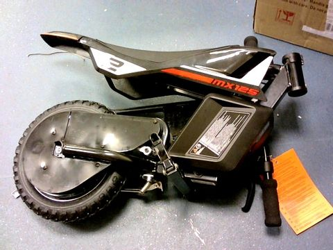 Lot 5499 RAZOR DIRT ROCKET MX125 BIKE RRP £316.00