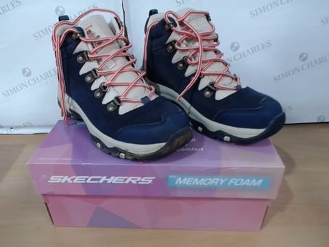 Lot 3068 BOXED PAIR OF SKECHERS MEMORY FOAM - SIZE 4A