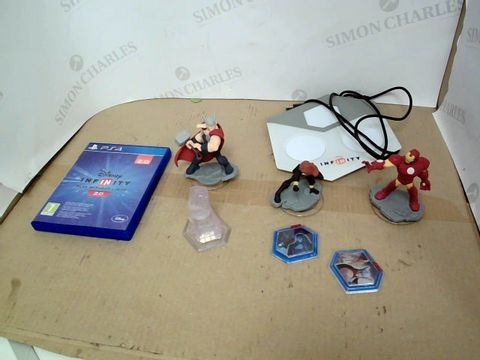 Lot 213 DISNEY INFINITY PLAY WITHOUT LIMITS 2.0 PS4 DISC AND FIGURINE SET