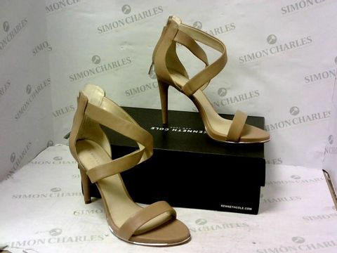 Lot 8073 BOXED PAIR OF KENNETH COLE HIGH HEEL SHOES SIZE 9M